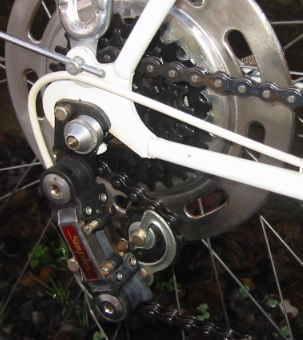 自転車の 自転車 チェーン サビ 油 : 30年前のフランス・プジョー ...